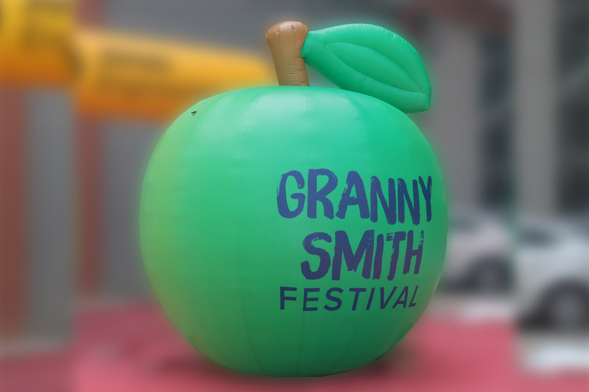 Festival Apple In Action