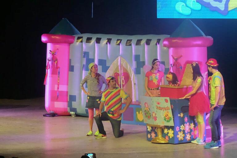 Hi 5 Concert Inflatable