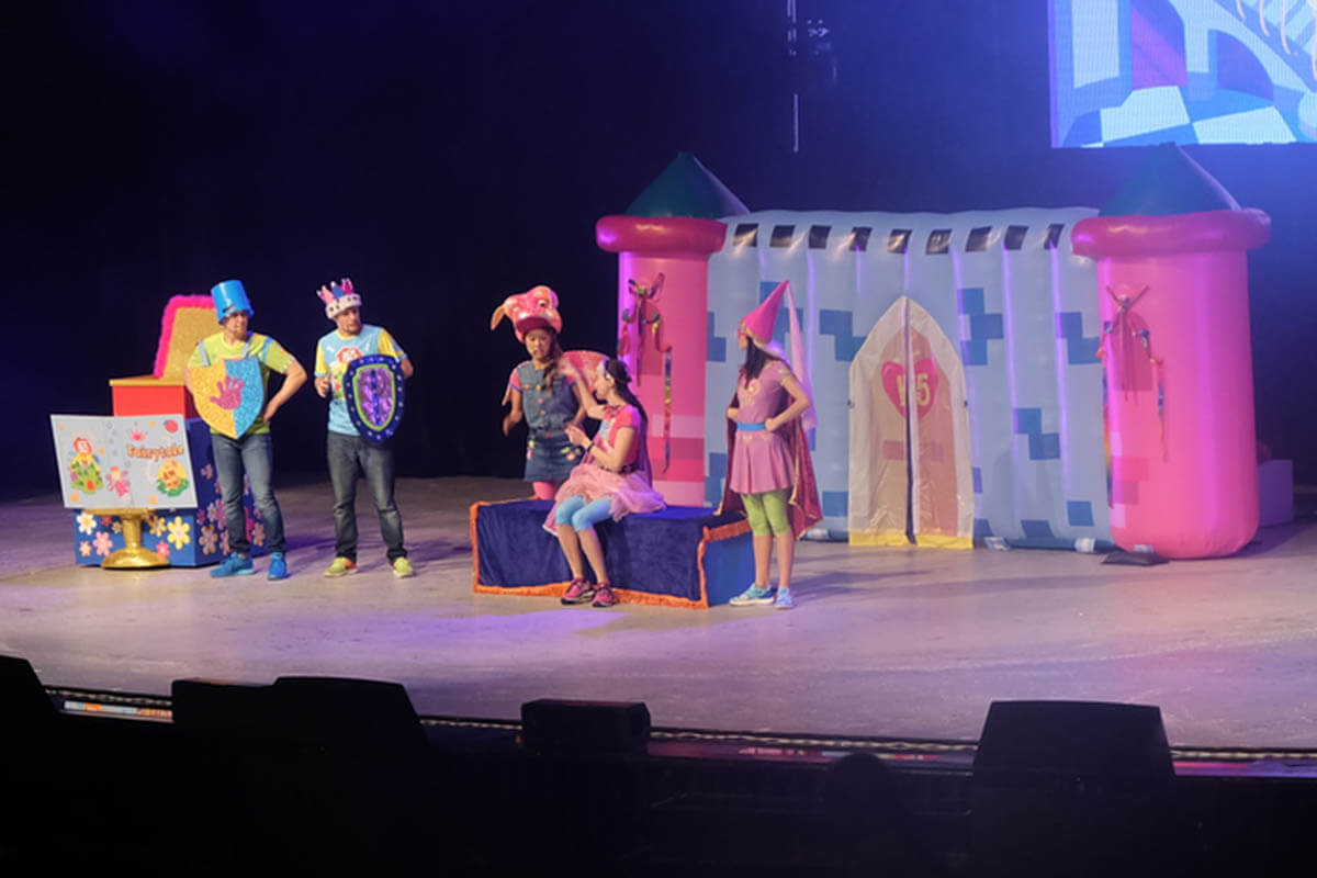 Inflatable Stage Prop Wall In Use
